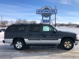 2005 Chevy Suburban AWD -No Reserve-