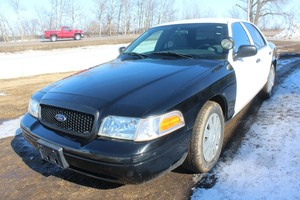 2011 Ford Crown Victoria - POLICE - 96,881 MILES! - 1 OWNER -