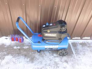 Kobalt 8 gallon air compressor. Looks nearly new. Tested & works. As shown.