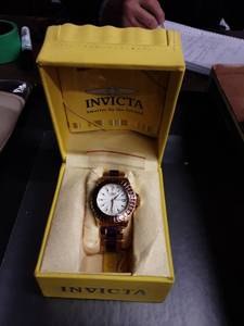 Invicta Gold Tone With Purple Stones Ladies Watch With Extra Links & Case