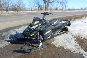 Ski-Doo Summit 800 Snowmobile