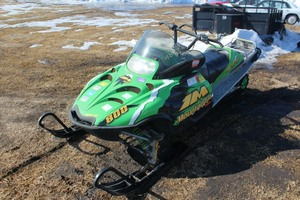 2004 Arctic Cat 800 Snowmobile - NO RESERVE - UPDATED -
