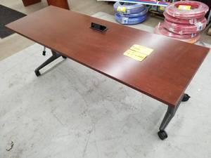 Wood Top Metal Rolling Computer Table with 2-Gang Power Supply