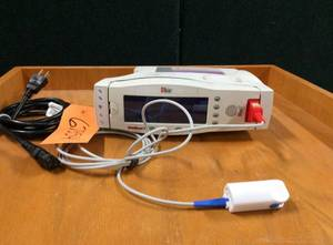 Masimo Set Radical Pulse Oximeter With Finger SPO2 Pulse Sensor Probe - Excellent Working Condition!
