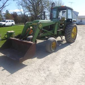 1974 John Deere 4030 Diesel with Cab, Bucket Loader and Hay Spike Attachments---NO RESERVE---