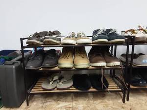 Shoe Rack With 8 Pair Of Men's Shoes Size 9/10