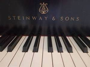 Steinway & Sons Model M Grand Piano with Concert Bench