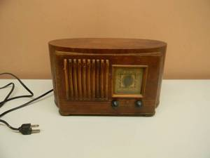 ANTIQUE/VINTAGE EMERSON TUBE RADIO - WOOD CABINET BY INGRAHAM - VERY RARE!!!!! - WORKS!!!!! - GREAT PIECE! - SEE PICTURES!