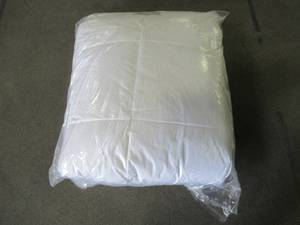 The Company Store Organic Medium Warmth White Queen Down Comforter, C2V7-Q-White - NEW!