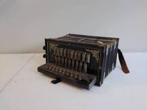 VINTAGE Old Viceroy Accordion