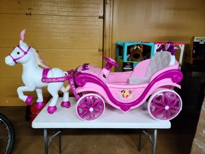 Disney Princess Royal Horse and Carriage Girls 6V Ride-On Toy by Huffy-Not used