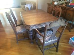 Wonderful Vintage Dining Set