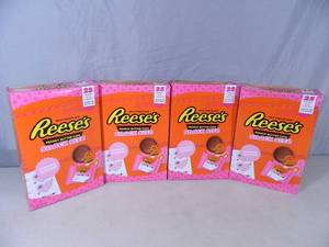 100 New Reeses Peanut Butter Cups