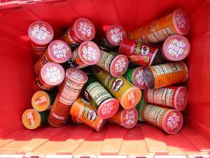 Assorted Cans of Pringles Chips *Pa...