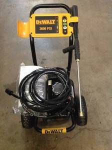 DEWALT GX200 3600-PSI 2.5-GPM Gas Pressure Washer IN WORKING CONDITIONS