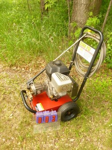 Generac 2300 psi pressure washer with hose & wand. Tested & works. As shown.