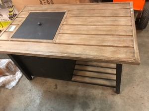 Fire Pit patio table I'm good condition some mark or scratchs please review the photos