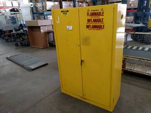 Justrite 45 Gallon Flammable Cabine...