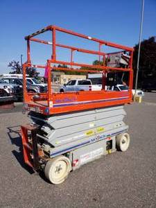 SkyJack Electric Scissor Lift 3226