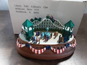 Liberty Falls Collector's Club Roller Coaster Music Box (Collectible)
