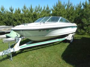 "1989 SeaRay 160 Bow Rider 16' 9"" Speed Boat with Trailer"