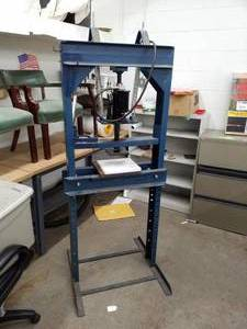 Harnessed Hydraulics 12-Ton Hydraulic Press Table with Omega 12-Ton Pneumatic and Manual Operated Hydraulic Hand Jack 18122
