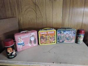 Lot of VINTAGE Lunchboxes