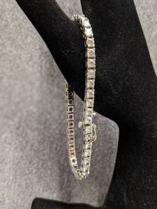 White 14k Gold Ladies Diamond Line Bracelet