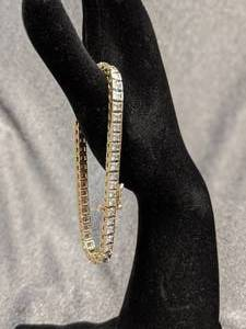 14k Yellow Gold Ladies Diamond Line Bracelet