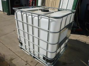 250 Gallon Plastic Tote with Metal Frame and Spigot