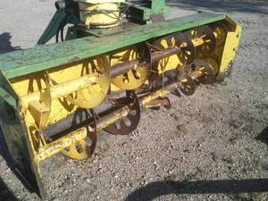 John Deere 7 ft. Snowblower – 32 in