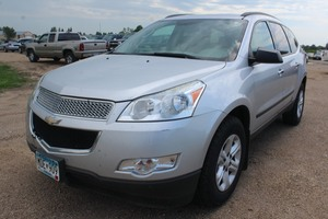 2011 Chevrolet Traverse LS - 2 Owners -