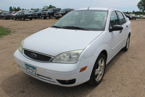2005 Ford Focus ZX4 SES - 2 Owners -