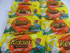 10 New 11 oz Bags of Reese Miniature Peanut Butter Cups