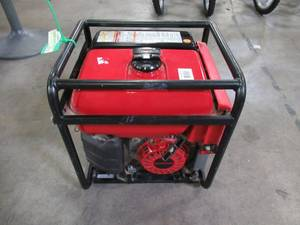 Honda ndustrial 3000-Watt Lightweight Gasoline Powered CycloConverter Portable Generator with GFCI Protection and Oil Alert EB3000CK2A