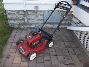 "Toro 22"" Self Propelled Mower (Started-Could Use A Tune Up)"