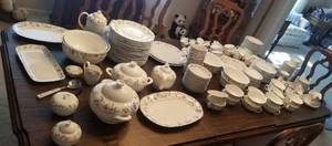HUGE MASSIVE Villeroy & Boch Mariposa China Service