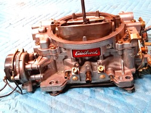 Edelbrock 4 barrel performance carburetor