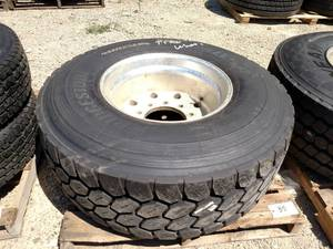 Bridgestone 425/65R22.5 Tire on Alu...