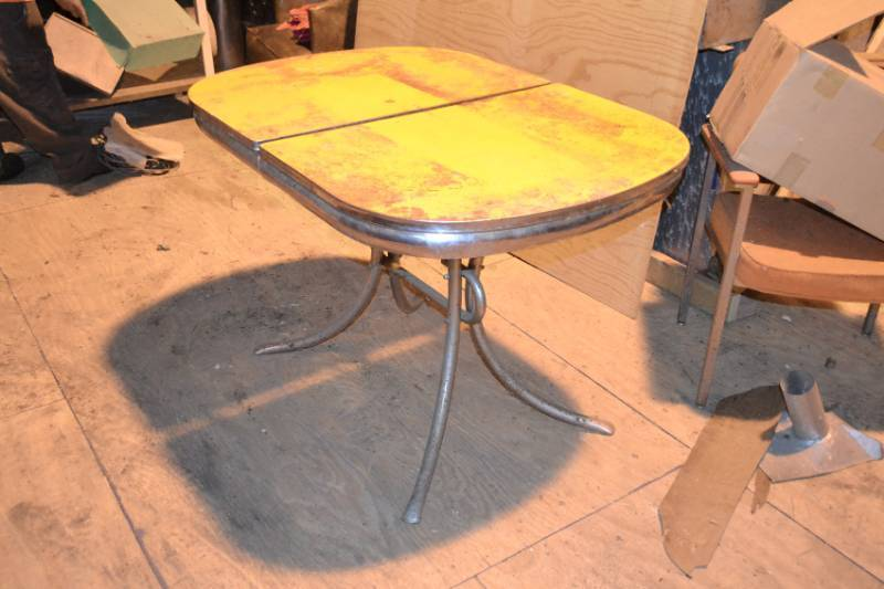 Vintage Chrome Yellow Formica Kitchen Table Jordan Mn Contractor Estate Sale Phase 2 Antique Farm Equipment Copper Tubing Small Engines Building Materials Quality Patio Sets Vintage Advertisements Vintage Furniture