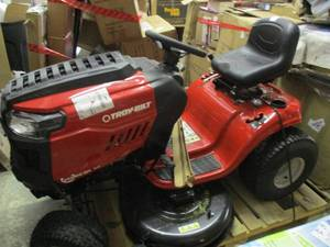 Troy Bilt Auto Bronco  46x Lawnmowe...
