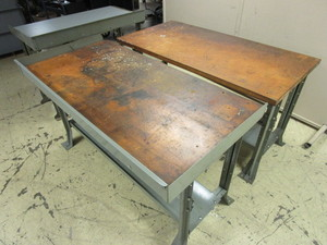 WORKBENCH/TABLES