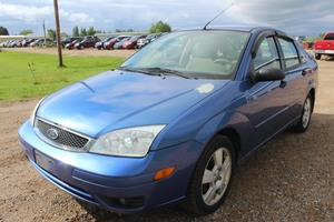 2005 Ford Focus ZX4 SES - 1 Owner -