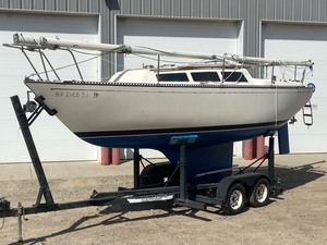 "1985 ""S2"" Sailboat With Trailer"
