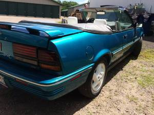 GET YOUR THELMA & LOUISE ON IN THIS RARE & GORGEOUS CLASSIC VEHICLE! 1993 Pontiac Sunbird CV SSE Sporty Convertible Blue WOW Only 71,554 Miles Nice Condition!