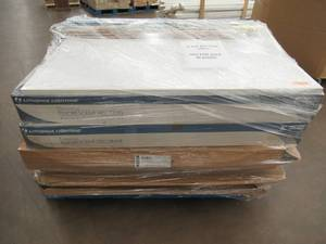 WHOLESALE MIXED PALLET OF LITHONIA LIGHTING SHOP LIGHTS!