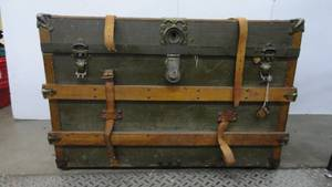 Antique Steamer Trunk With Key