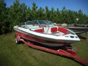 1989 Four Winns 170 Freedom Boat with Trailer
