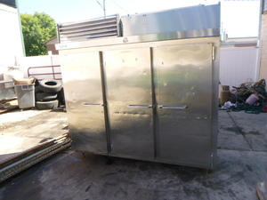 Dixie 3 Door Reach-In Freezer