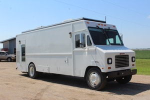 NO RESERVE!!!   1990 International 1652SC - 64,863 Miles -- Mobile Office / Food Truck??  (Former SWAT Vehicle)